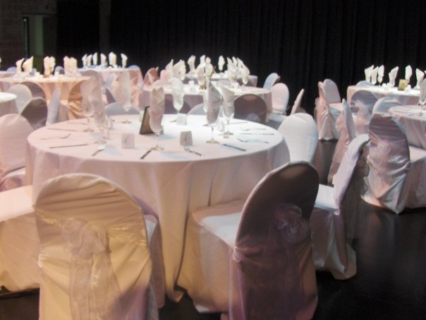Theatre in cabaret style for a wedding